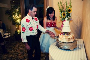 Tony and I cut the wedding cake